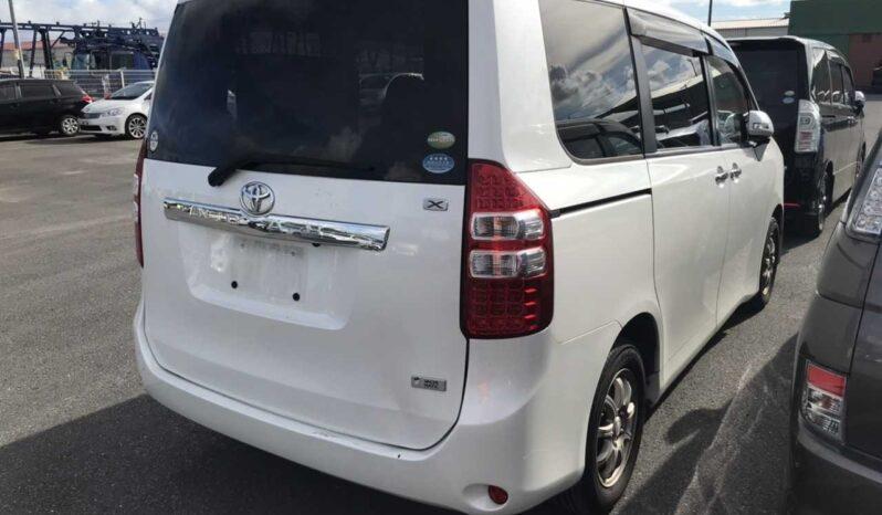 Toyota Noah 2011 full