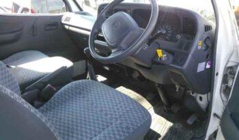 Toyota Hiace 2000 full