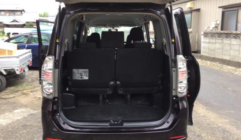 Toyota Voxy ZS Kiramiki 2011 full