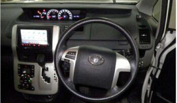Toyota Voxy 2012 full