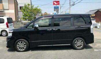 Toyota Voxy ZS Kiramiki 2012 full